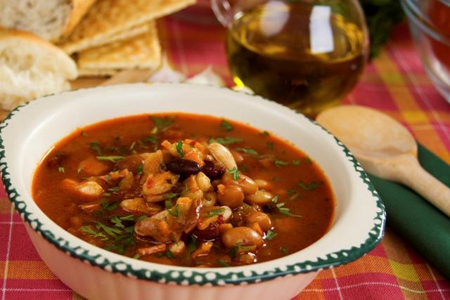 Сытный фасолевый суп в мультиварке