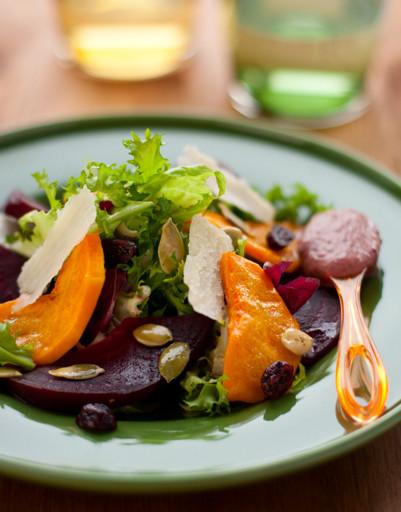 Теплый салат из свёклы и тыквы