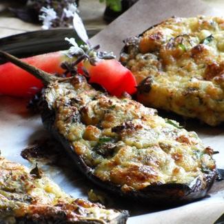 Кучерикас — баклажаны, запеченные с сыром