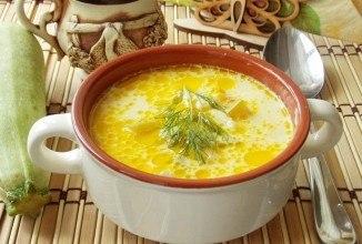 Сырный суп с кабачками и колбасой
