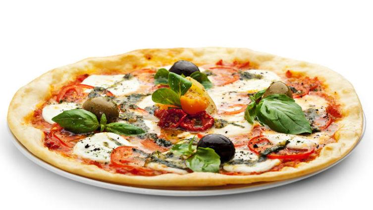 Как испечь пиццу по-болгарски? Пицца с моцареллой