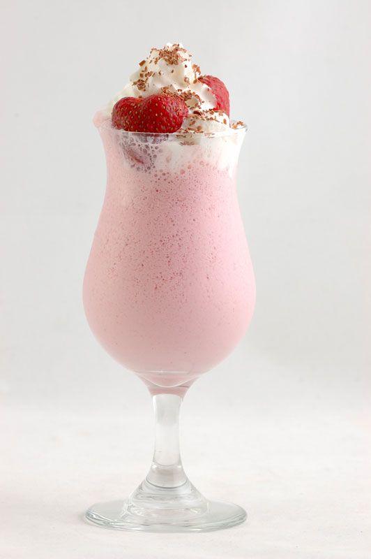 Как сделать коктейль молочный с клубникой