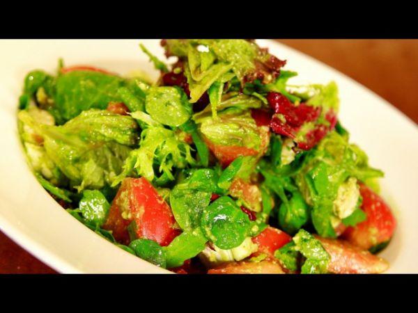Легкий фитнес-салат с курицей