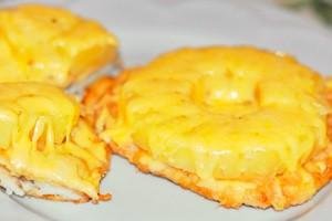 Куриные ножки, фаршированные ананасами и сыром