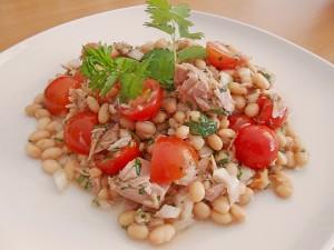 Фасолевый салат с тунцом. Быстро и вкусно!