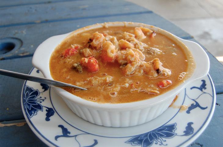 Луизианская похлебка с морепродуктами