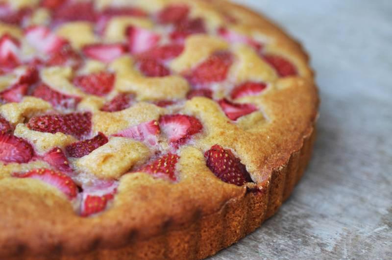 Пирог с клубникой замороженной рецепт с в духовке