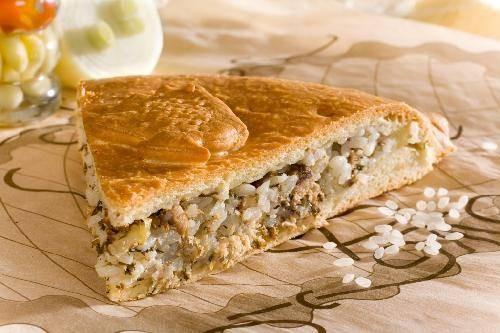 Пирог в духовке с сайрой и рисом рецепт