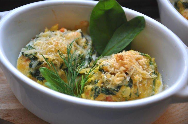 Фаршированные яйца зеленью