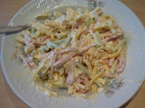 Салат с карбонатом
