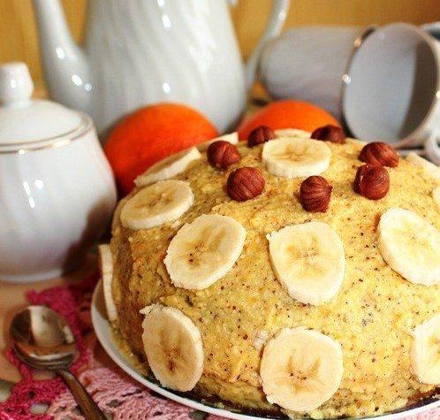 Апельсиновый торт с орехами и бананом