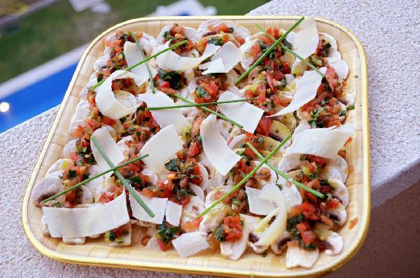 Салат из грибов и пармиджано реджано