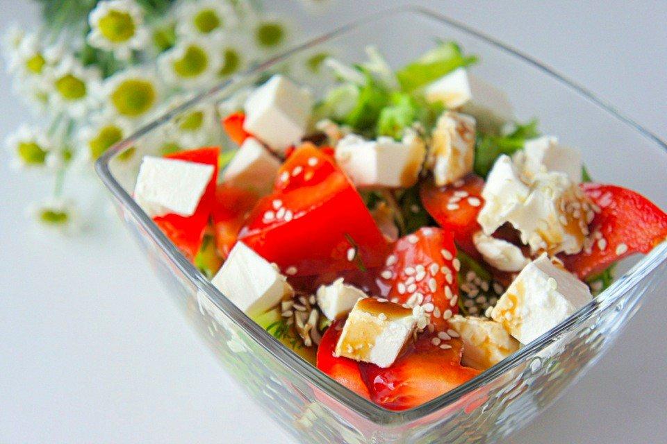 Овощной салат с сыром фета — море пользы!