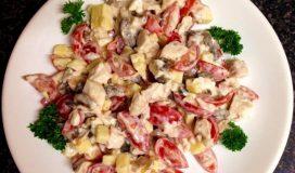 Салат с курицей и помидорами