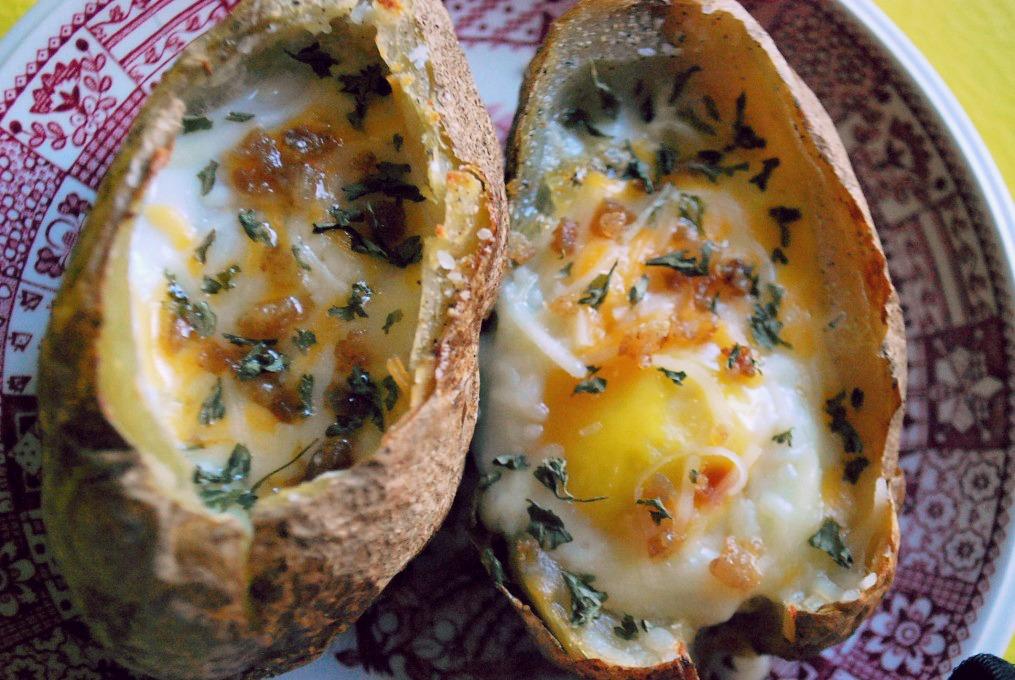 Яйца, запеченные на испанский лад