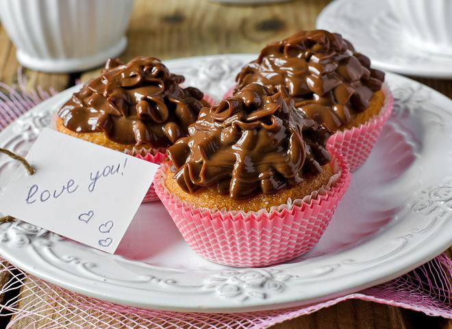 Капкейки на День святого Валентина: рецепт с шоколадным кремом