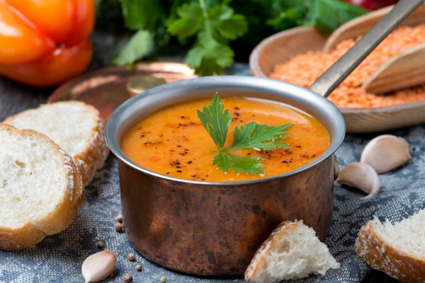 Великий пост: суп-пюре из чечевицы с томатами