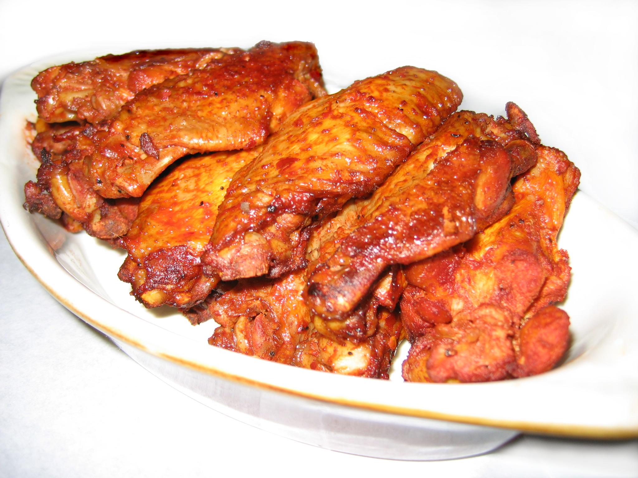 Алитас де пойо (пряные куриные крылышки)