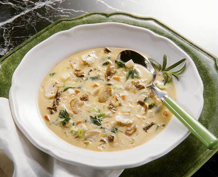 Нежный крем-суп из опят
