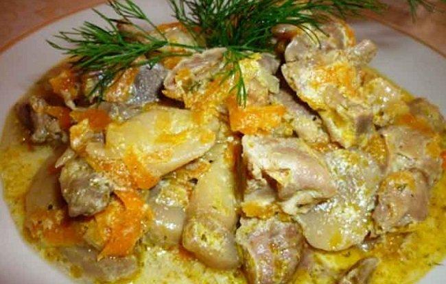 Тушённая с овощами и грибами тилапия
