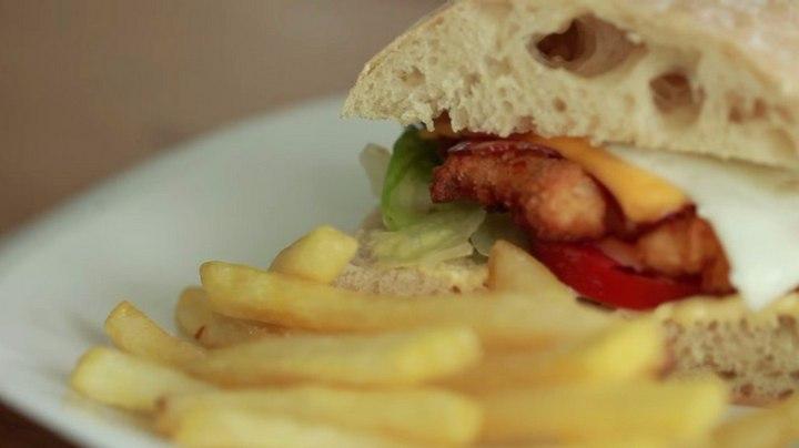 Чикенбургер из чиабатты по фирменному рецепту