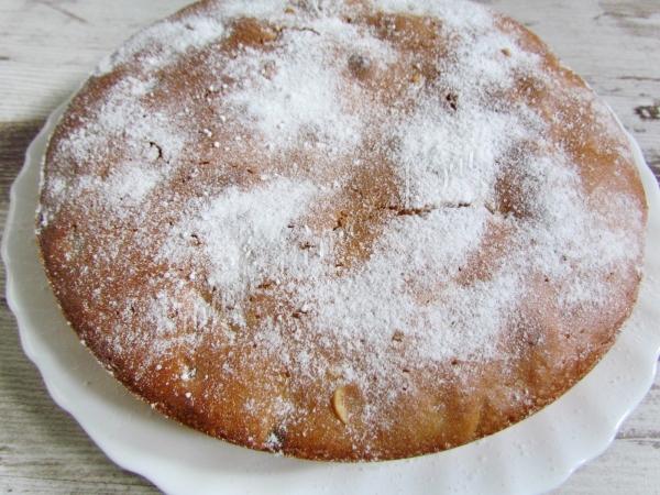 Пирог с орехами и сухофруктами
