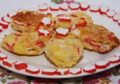 Картофельные котлеты с крабовыми палочками