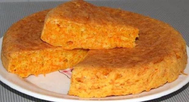 Глазированная, золотистая морковь в орехово-грибном пироге
