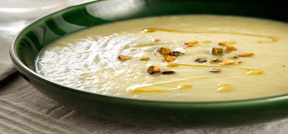 Суп-пюре из курицы с фисташками