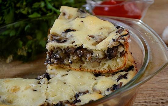 Пирог заливной с грибами на кефире