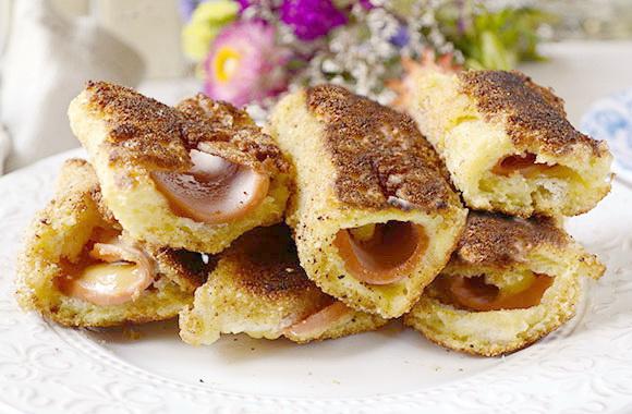 Быстрые закусочные рулетики из хлеба с колбасой и сыром