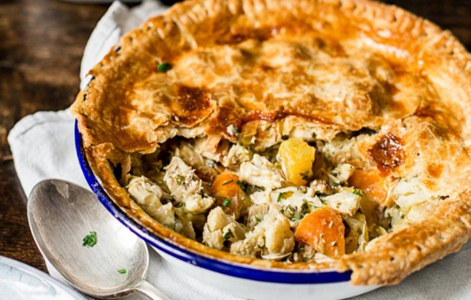 Куриный пирог с жареными овощами
