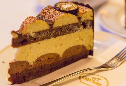 Нежный и пикантный торт Моцарт