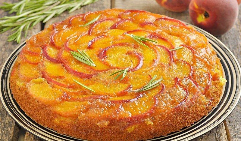 Тыквенный пирог с персиками