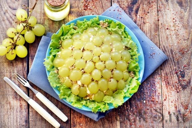 Новогодний салат: Виноградная долька