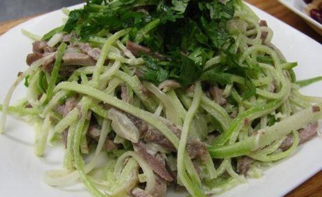 Рецепт салата из редьки с мясом