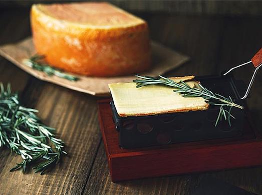 Раклет — сыр для настоящих гурманов