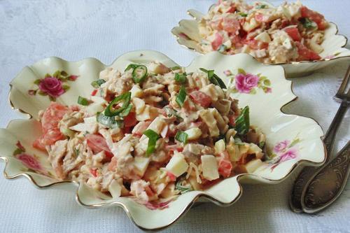 Салат «Коралл» с курицей и крабовым мясом