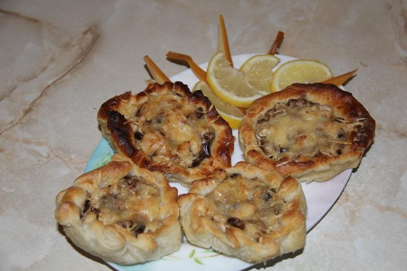 Корзиночки с грибами и курицей