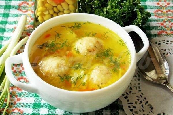 Простой суп с сырными шариками