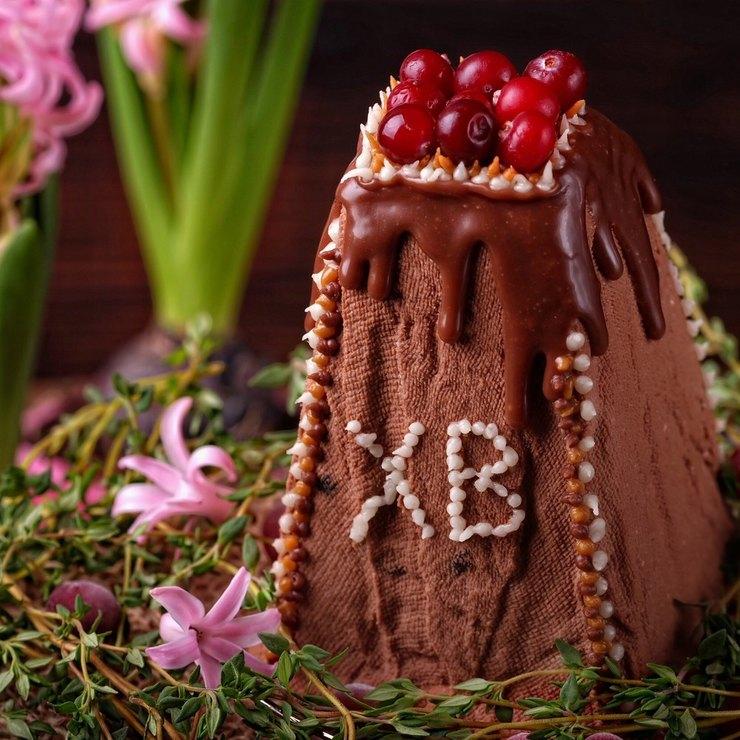 Творожно-шоколадная пасха с вяленой клюквой