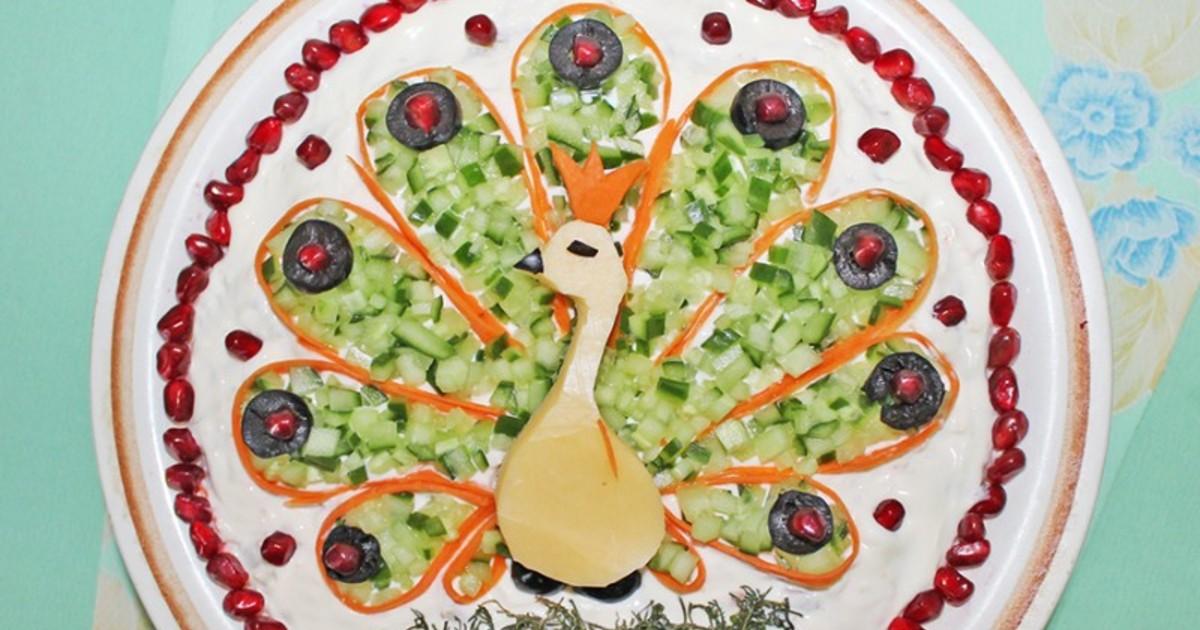 Салат «Жар-птица» с опятами и курицей