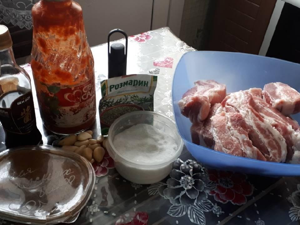 Рёбрышки в помидорном маринаде