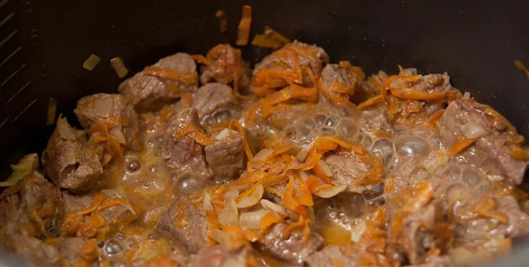 Полба с мясом в мультиварке