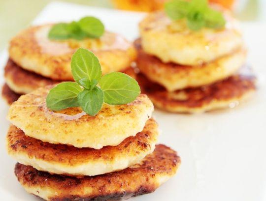 Как приготовить вкусные сырники не используя манку и муку
