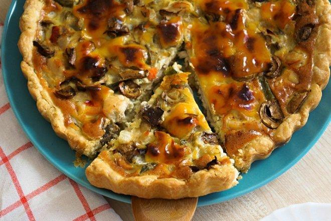 Сытный пирог «Киш лорен» с курицей и грибами
