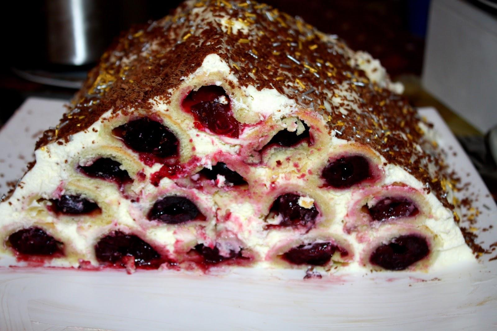 Монастырская изба: межсезонный вишневый торт