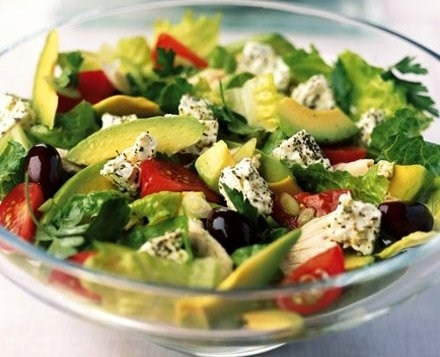 Салат с авокадо и фетой