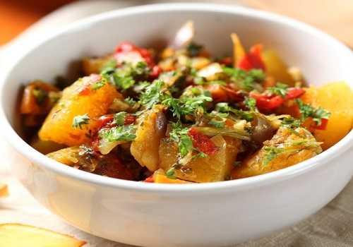 Мясо, запеченное с грибами и картофелем