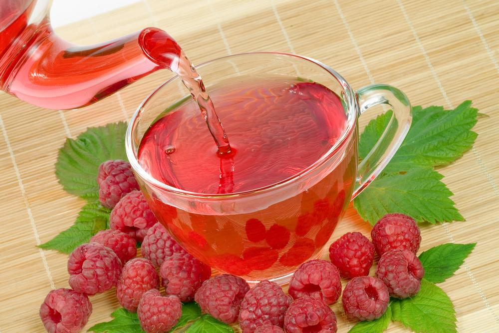 Малиновый чай с медом
